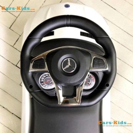 Толокар Mercedes-Benz GLE63 AMG с ручкой (мелодии, поворот с ручки, подножки)